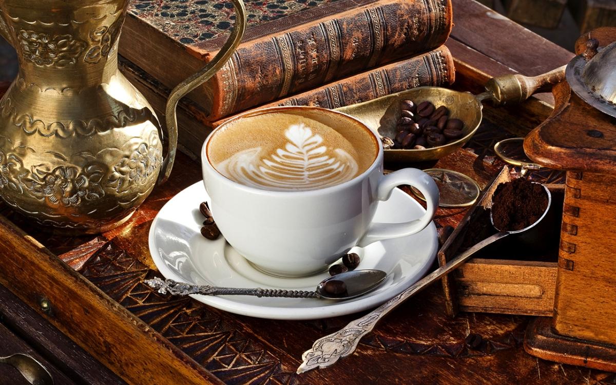 """Guida ai Caffè """"letterari"""" di Trieste"""